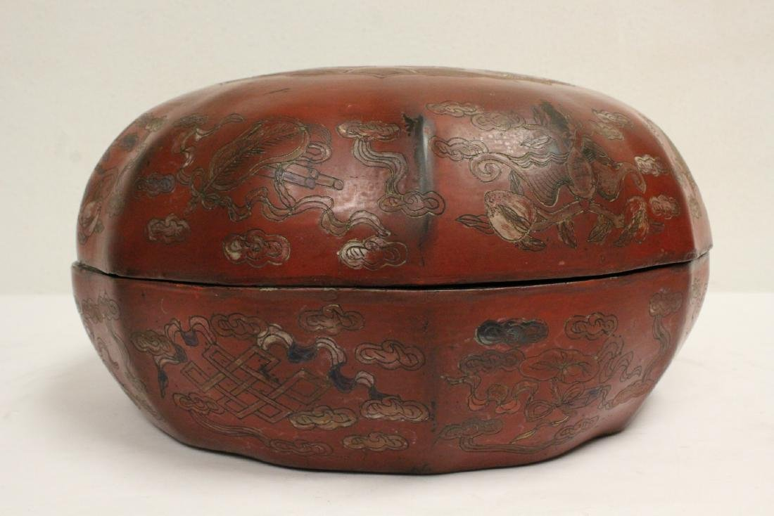 Chinese large covered lacquer box - 4
