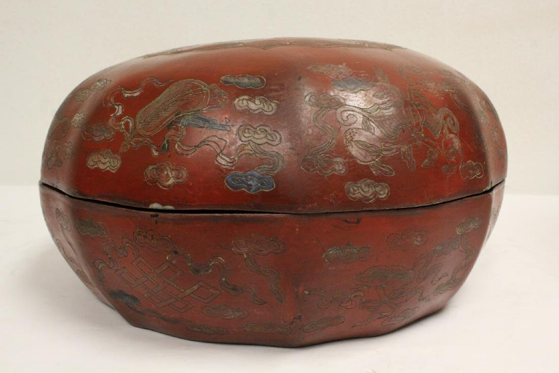 Chinese large covered lacquer box - 5