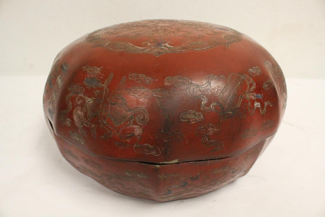 Chinese large covered lacquer box - 9