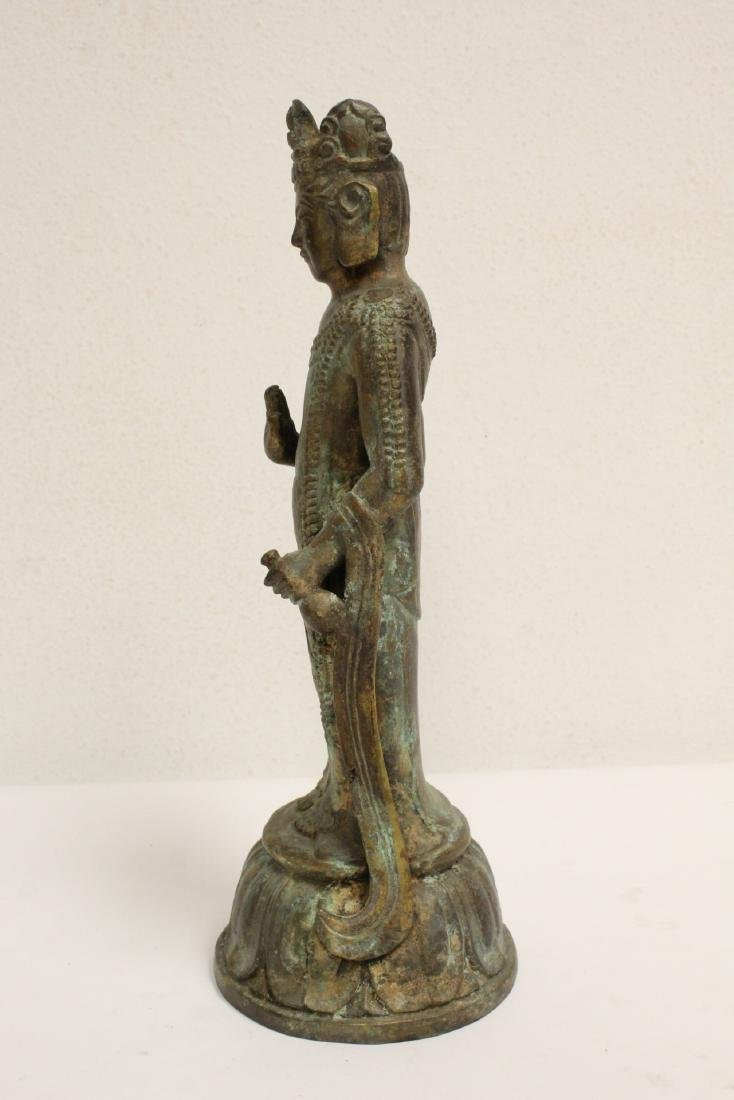 Chinese bronze sculpture of Guanyin - 4
