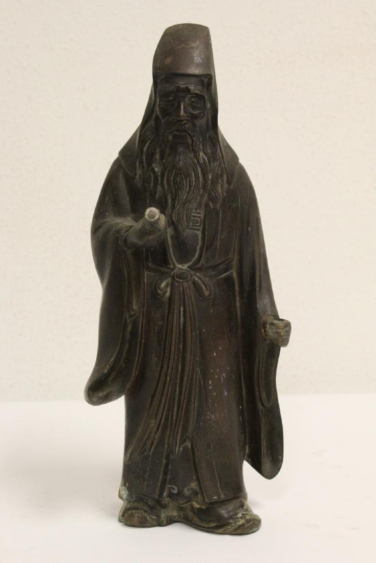 Bronze sculpture of scholar