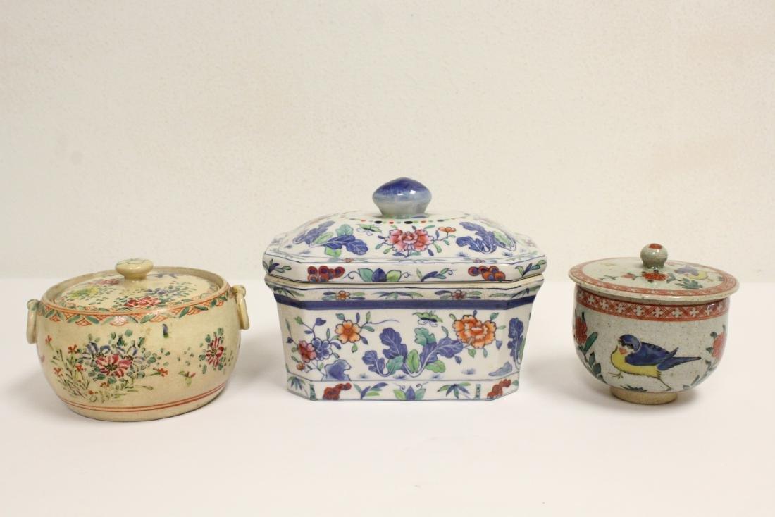 3 wucai porcelain covered box