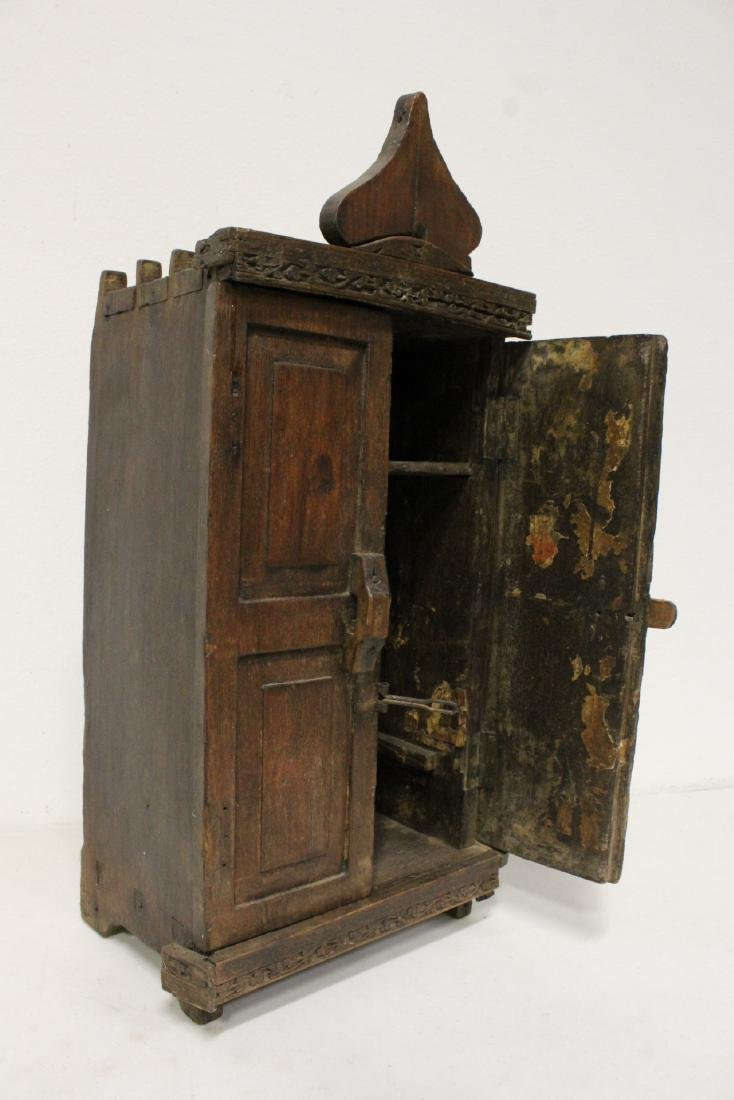 18th century Spanish colonial bookcase - 10