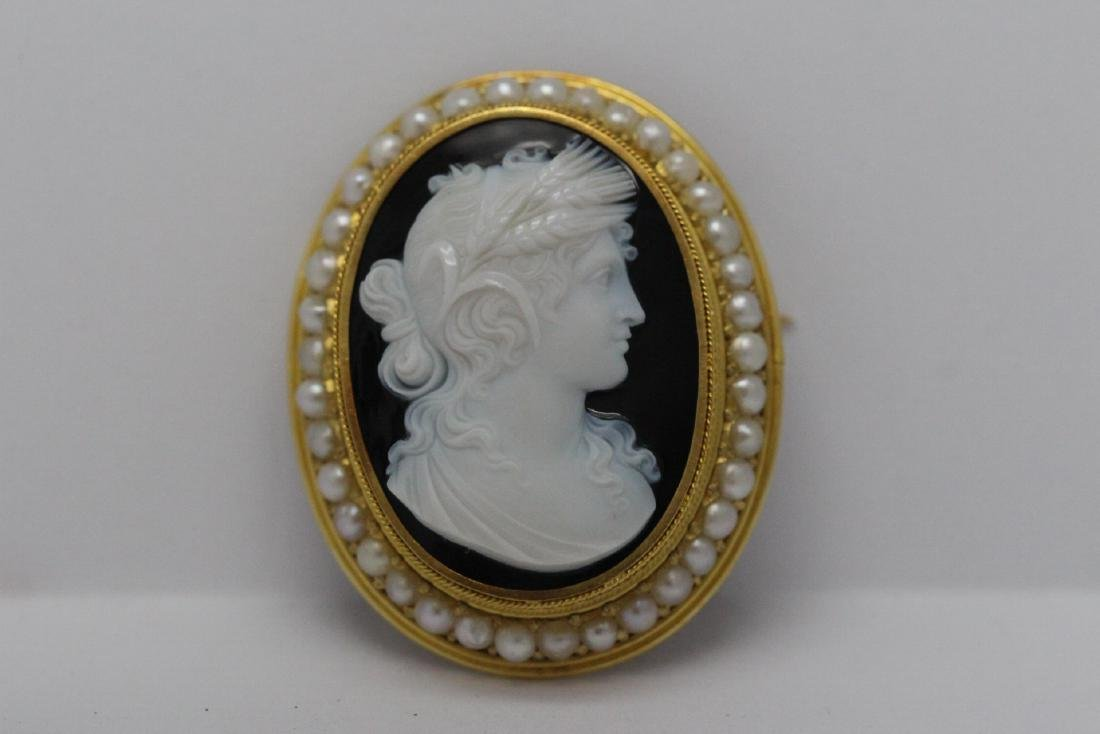18K Y/G Victorian onyx carved cameo brooch/pendant