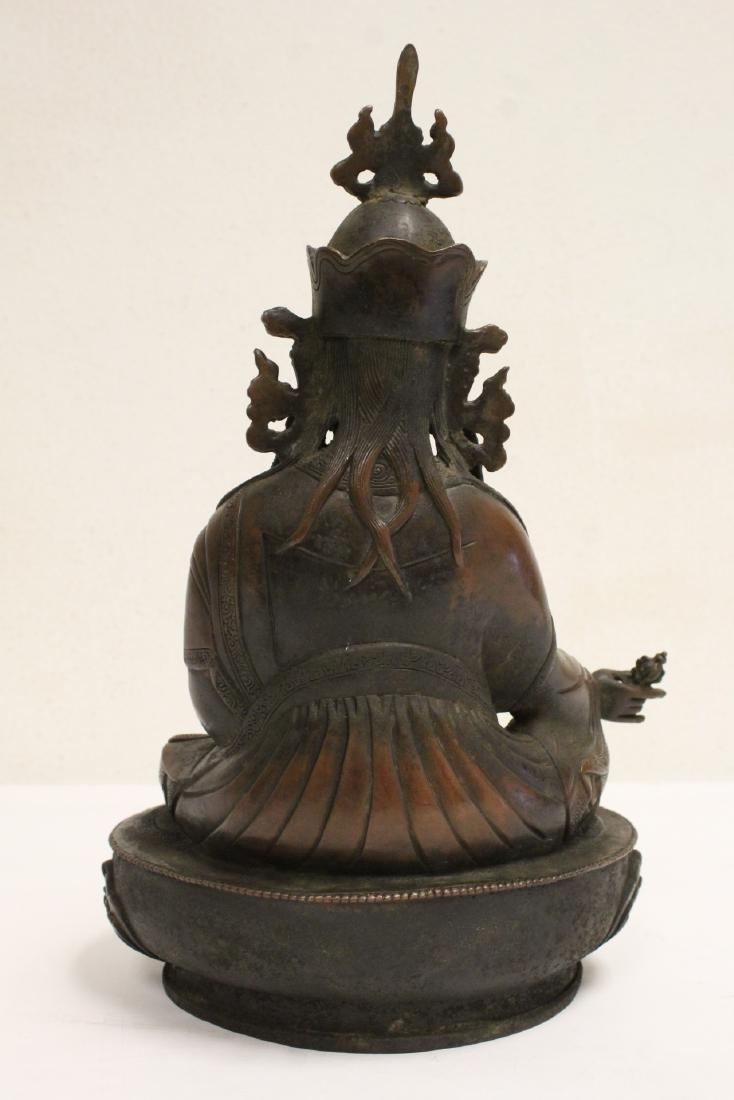 Chinese bronze sculpture of seated Buddha - 3