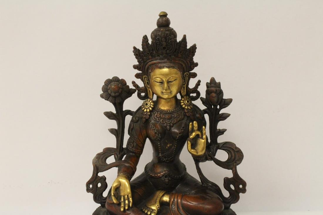 Chinese bronze sculpture of seated Buddha - 4