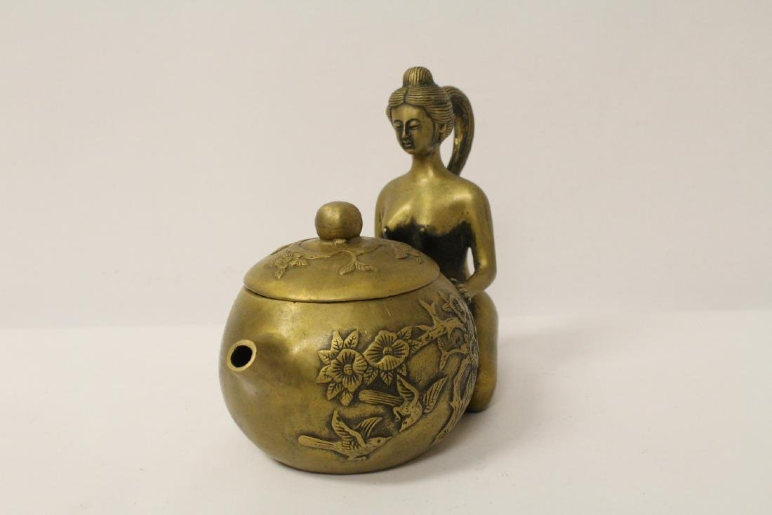 Chinese bronze teapot with nude motif handle - 2