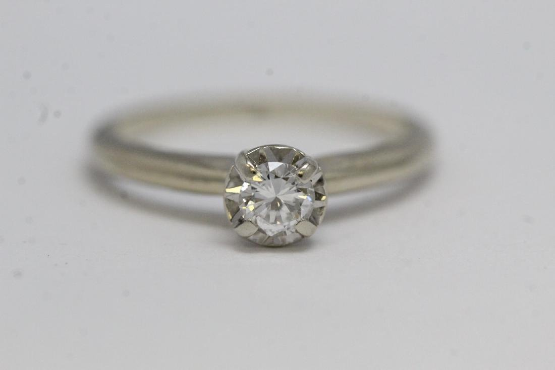 14K W/G diamond ring - 2