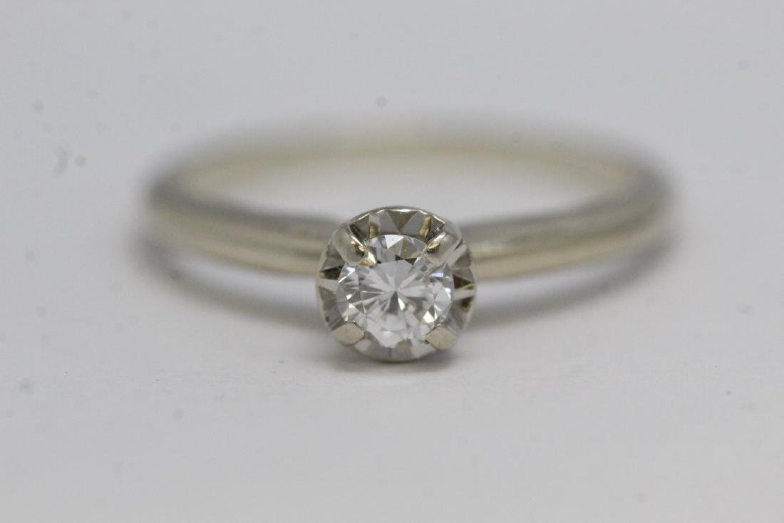 14K W/G diamond ring - 9
