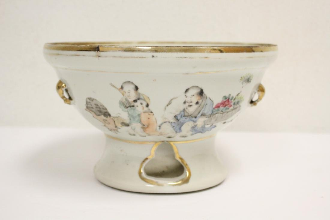 Antique Chinese porcelain bowl and a b&w jar - 2