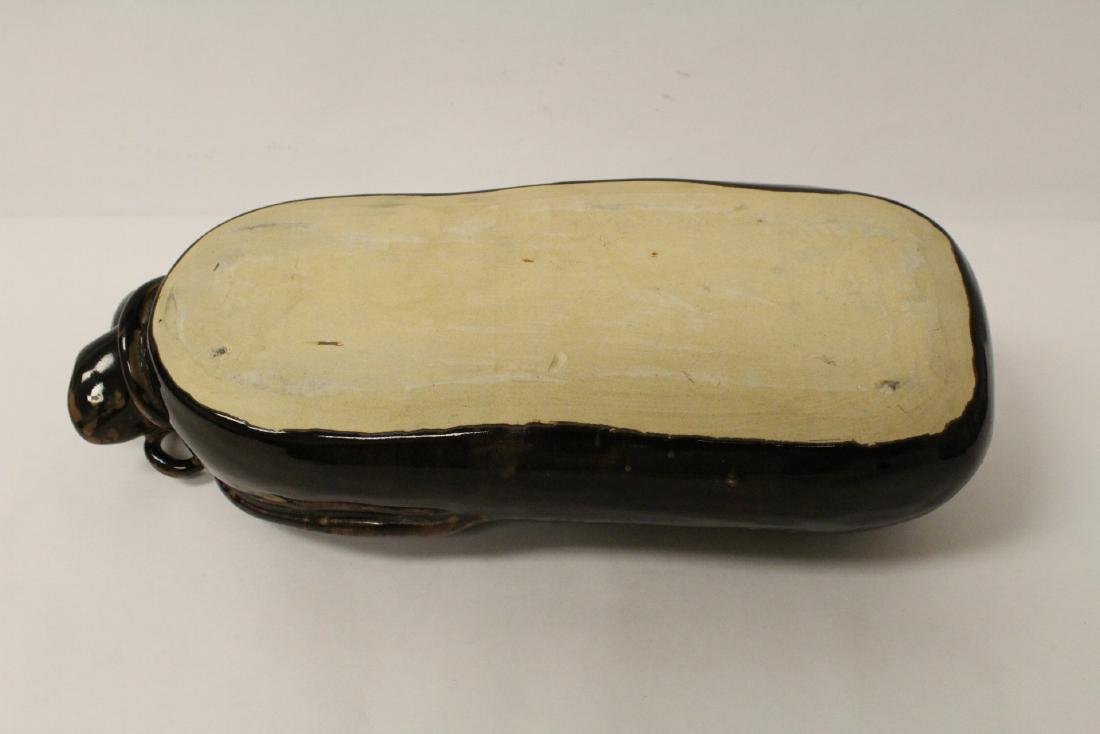 A large Song style brown glazed pillow - 10