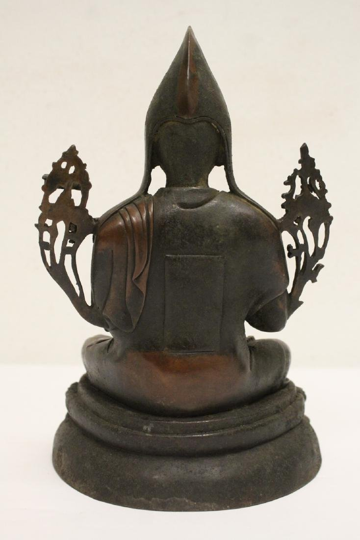 Chinese bronze sculpture of seated Buddha - 3