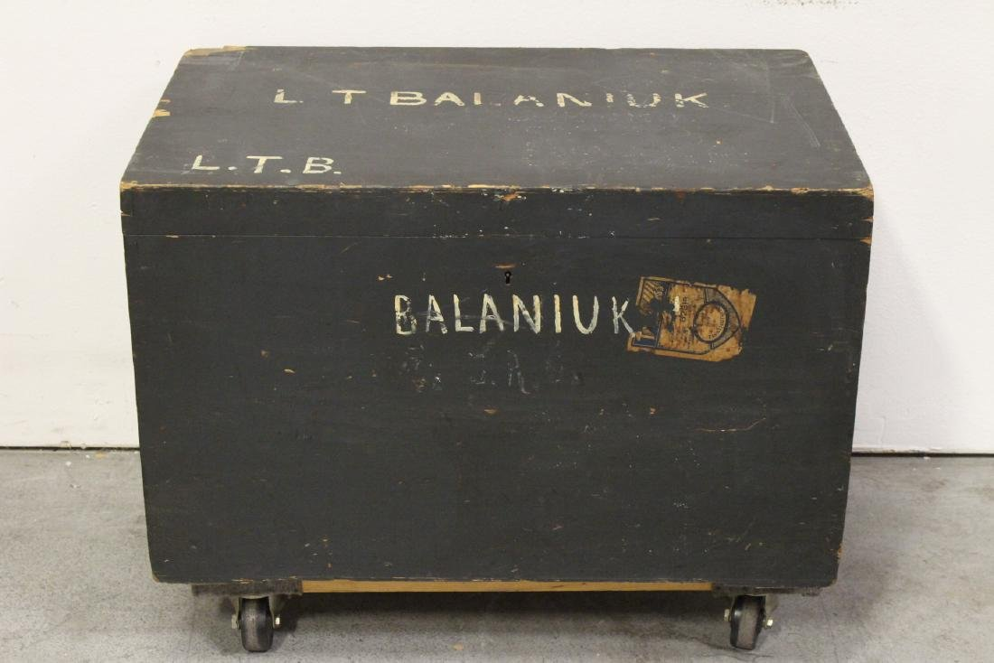 Mahogany trunk, and a painted wood trunk - 2
