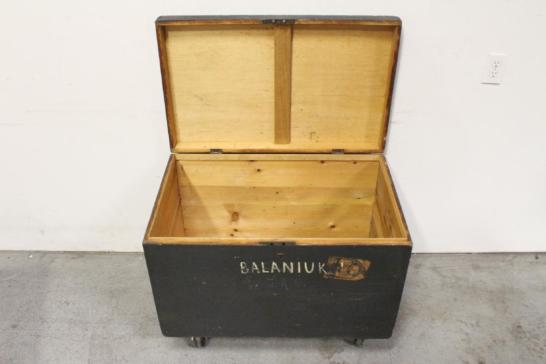 Mahogany trunk, and a painted wood trunk - 3