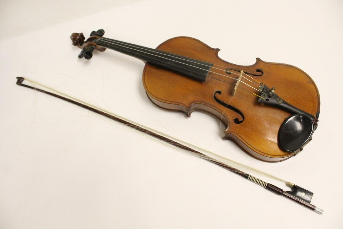 Antique violin with bow - 2