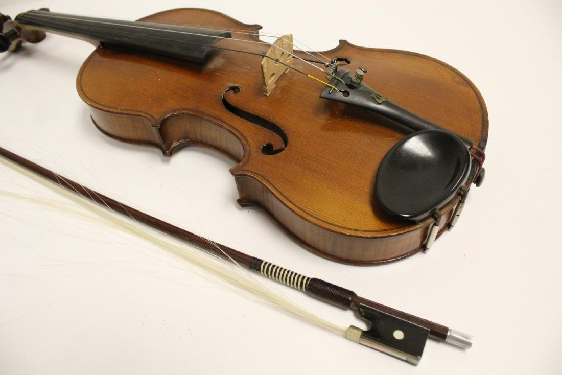 Antique violin with bow - 7