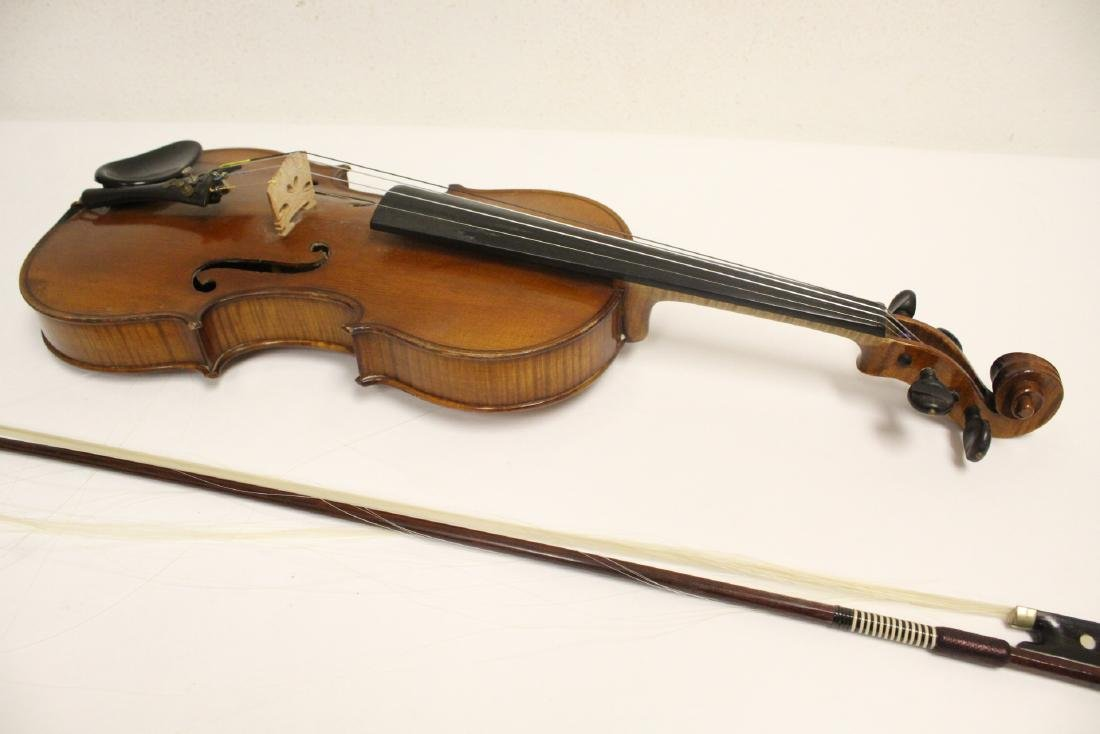 Antique violin with bow - 9