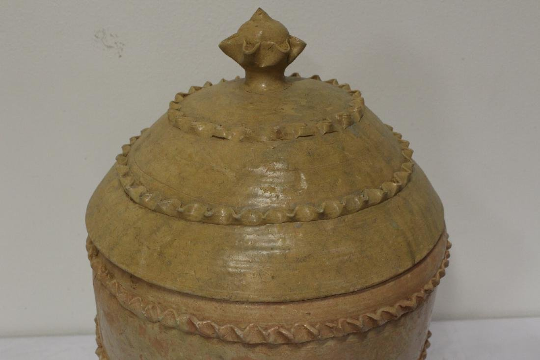 Chinese 18th century or early pottery covered jar - 8