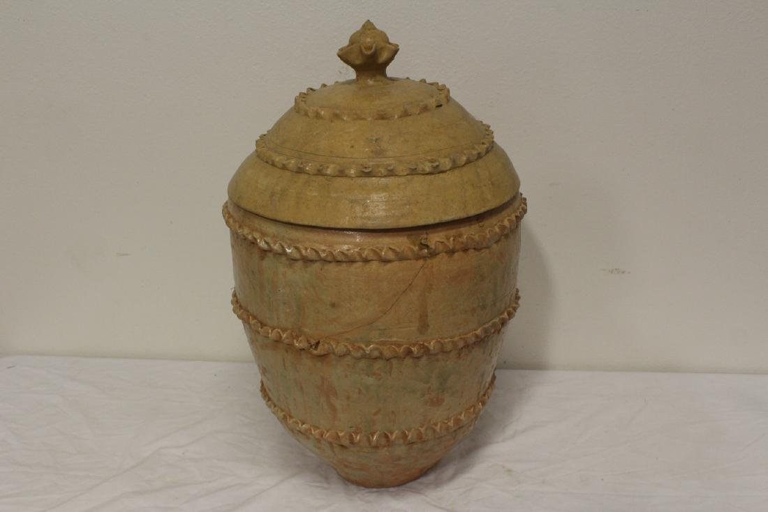 Chinese 18th century or early pottery covered jar - 9