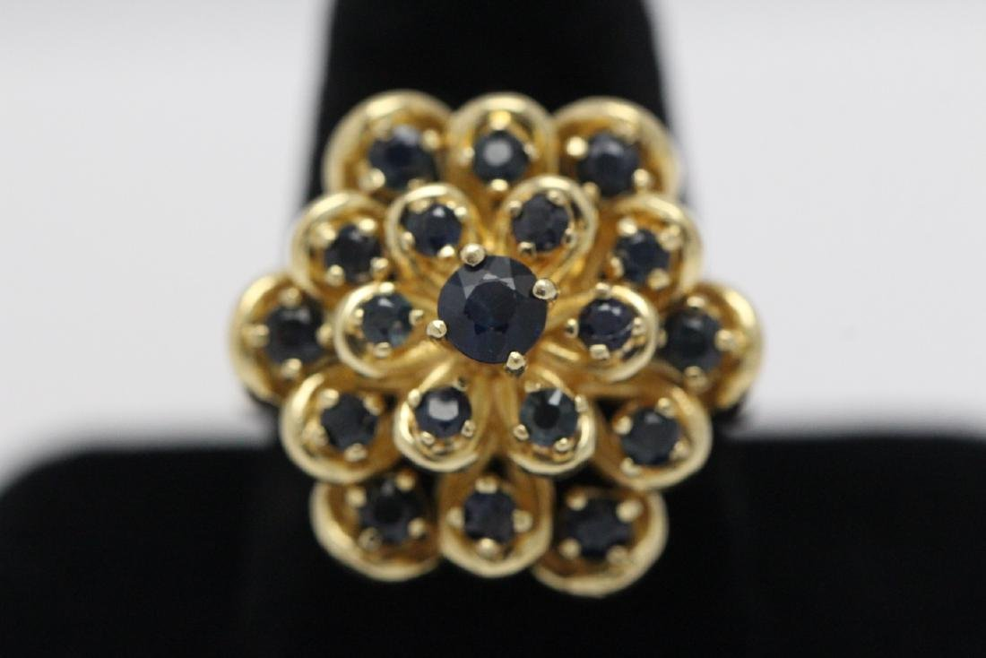 A 14K Y/G sapphire ring - 2