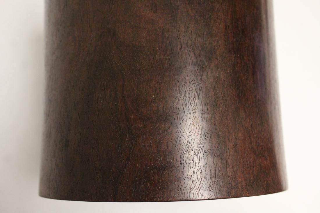 important Chinese vintage zitan wood brush holder - 10