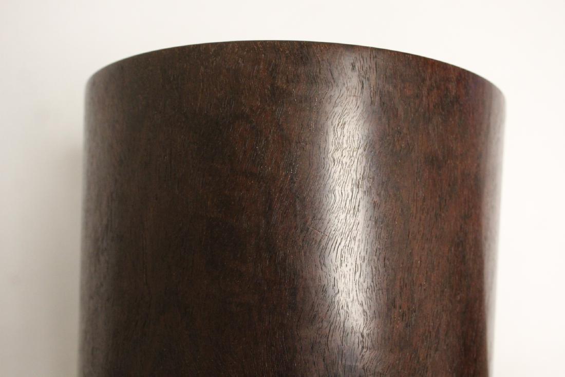 important Chinese vintage zitan wood brush holder - 9