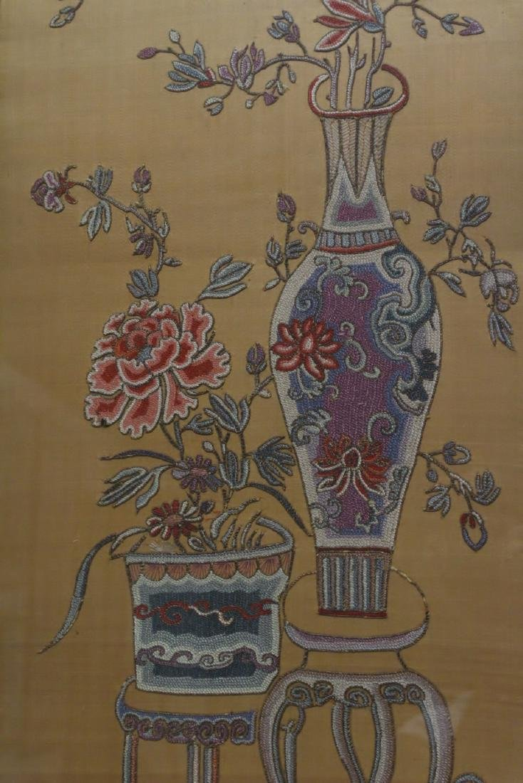 Fine Chinese antique framed embroidery panel - 4