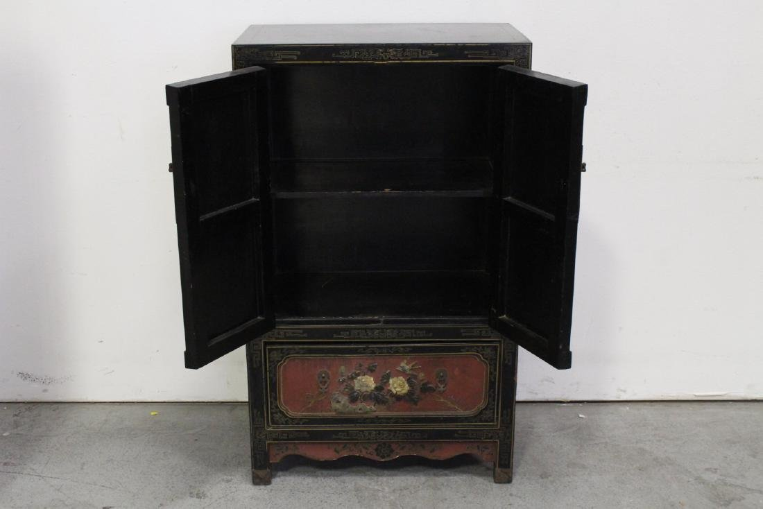 Chinese lacquer cabinet with stone overlay - 2