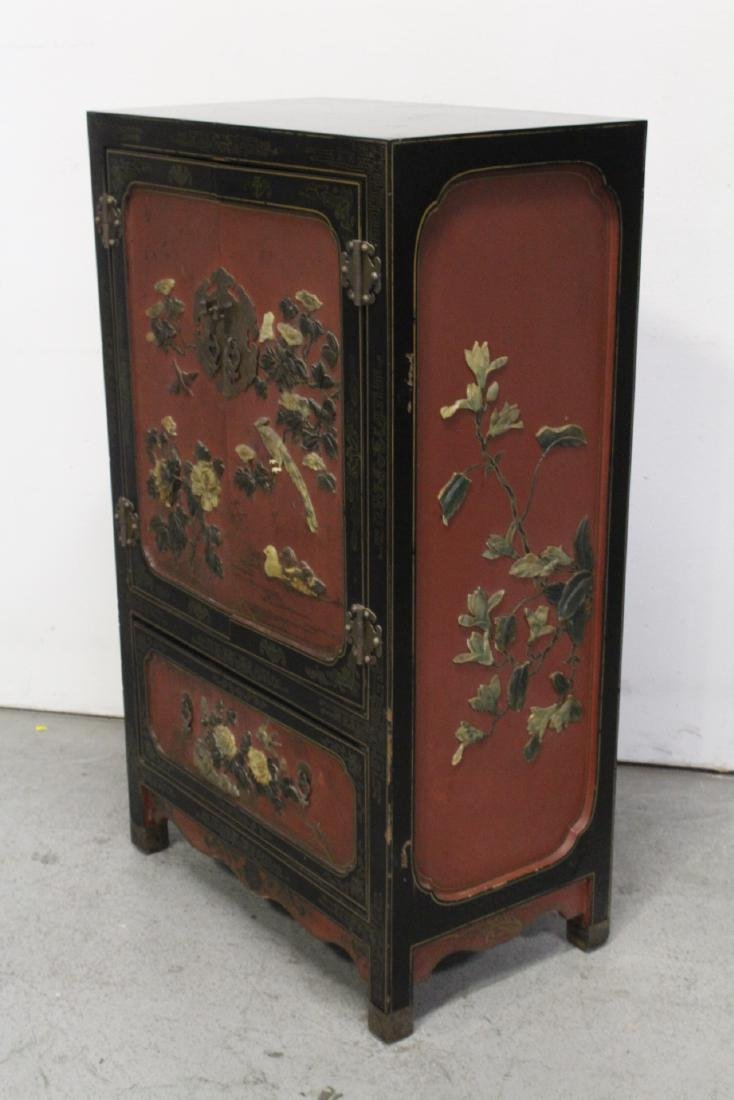 Chinese lacquer cabinet with stone overlay - 5
