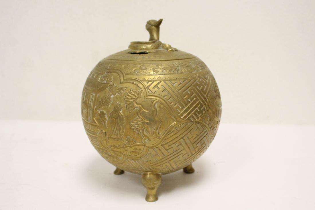 Chinese bronze round covered censer - 2