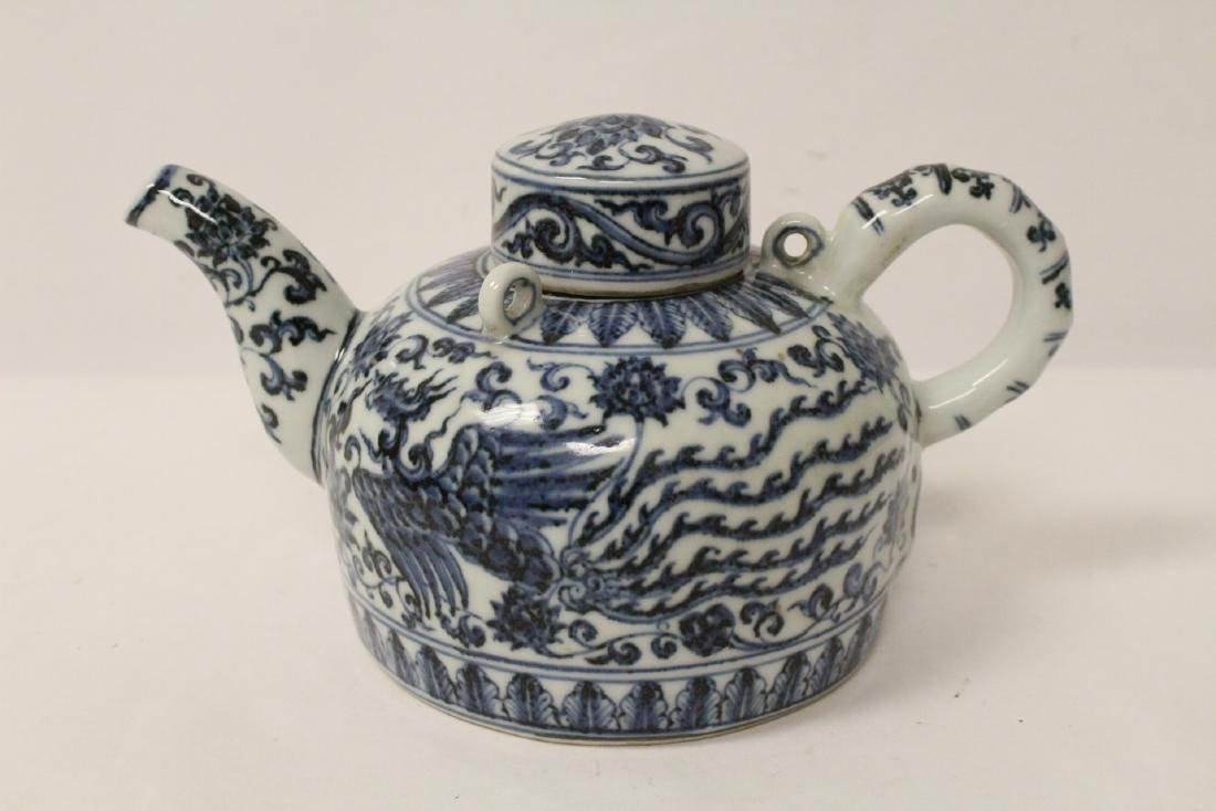 Chinese blue and white porcelain teapot - 4