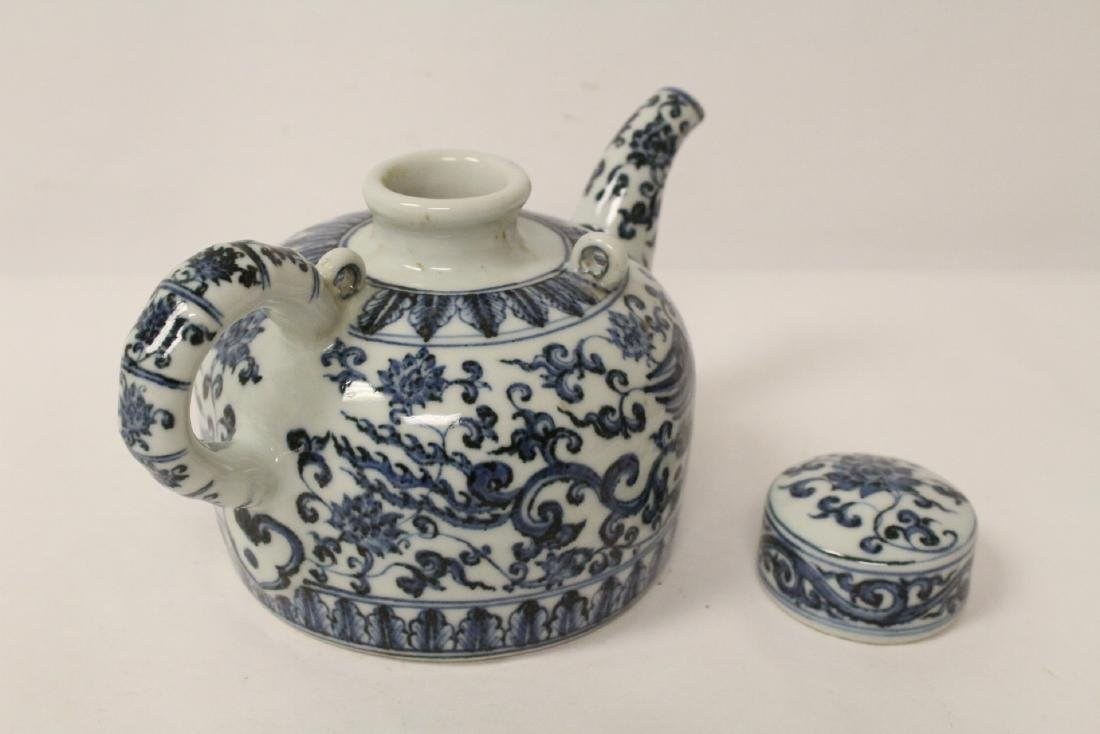 Chinese blue and white porcelain teapot - 5