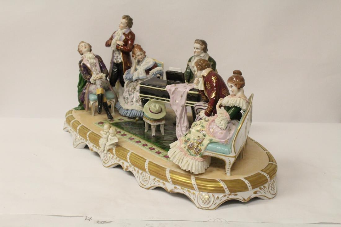 A large Dresden porcelain sculpture - 9