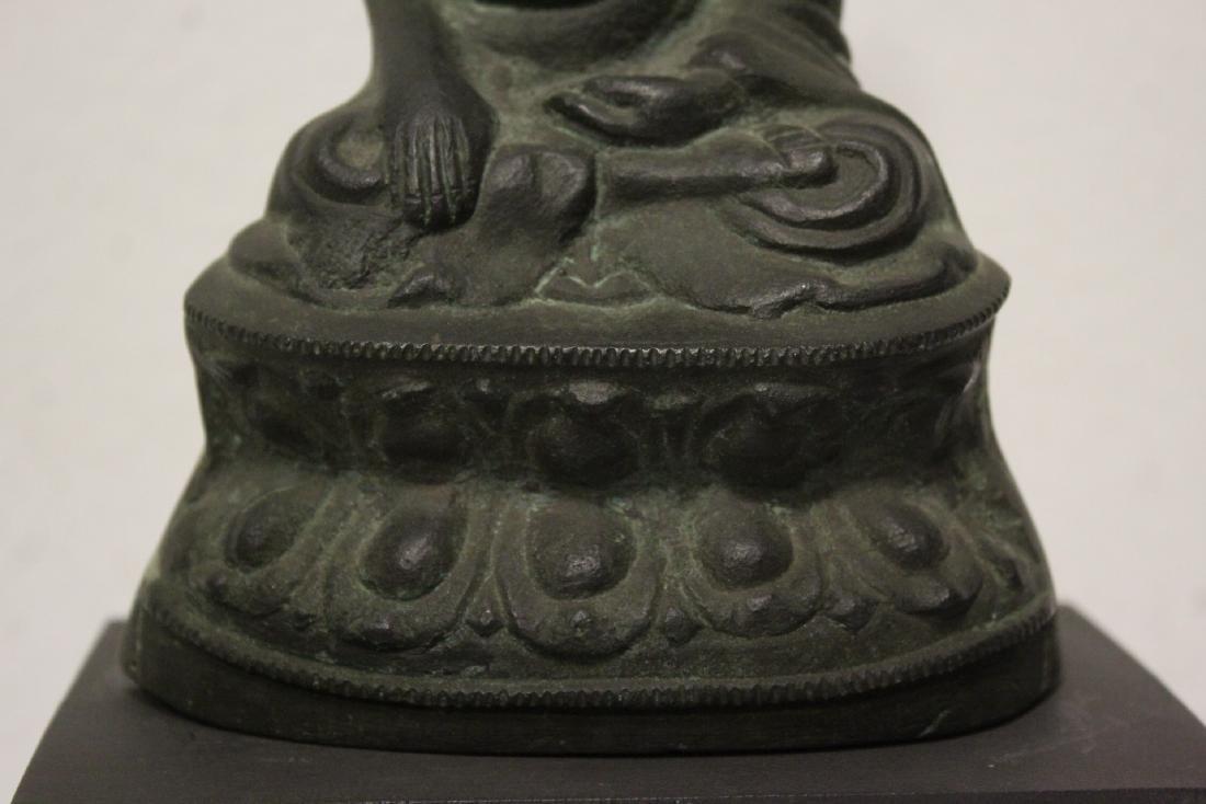 Bronze sculpture of seated Buddha - 5