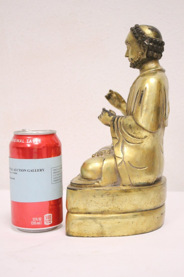 A fine Chinese gilt bronze sculpture of deity - 2