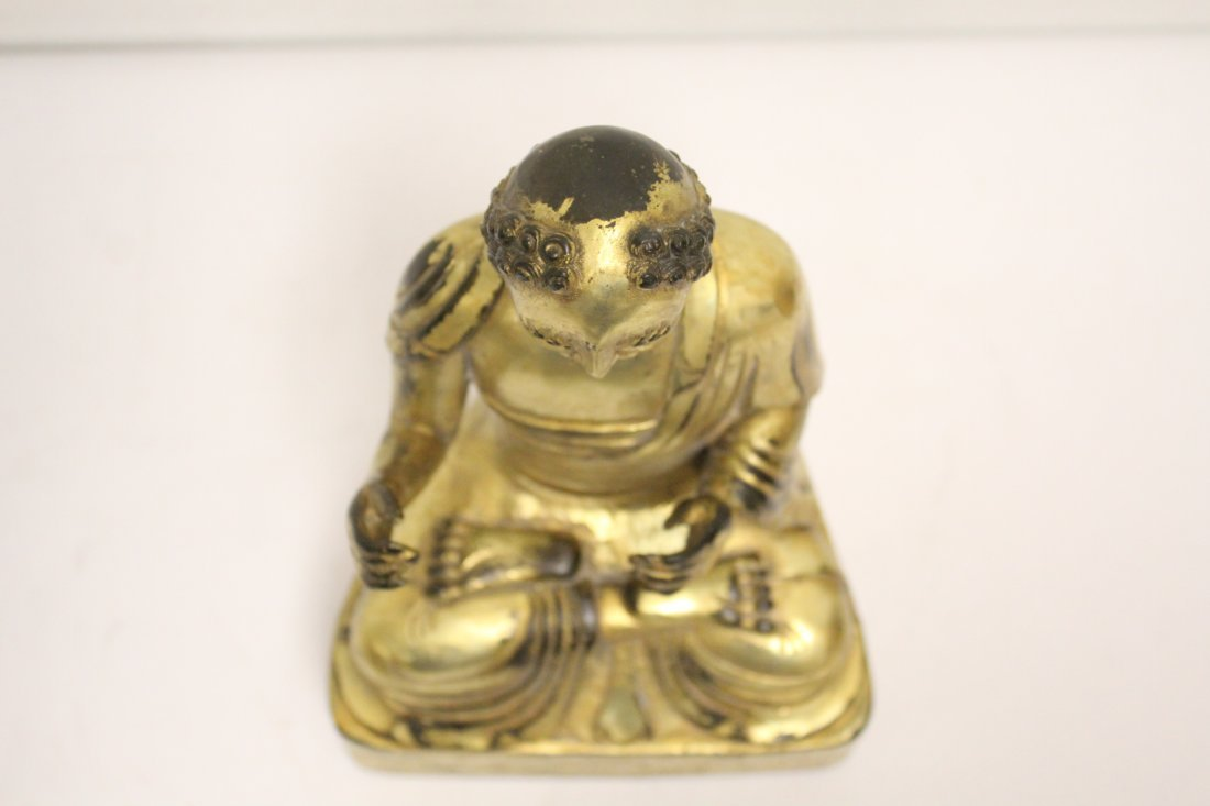 A fine Chinese gilt bronze sculpture of deity - 5