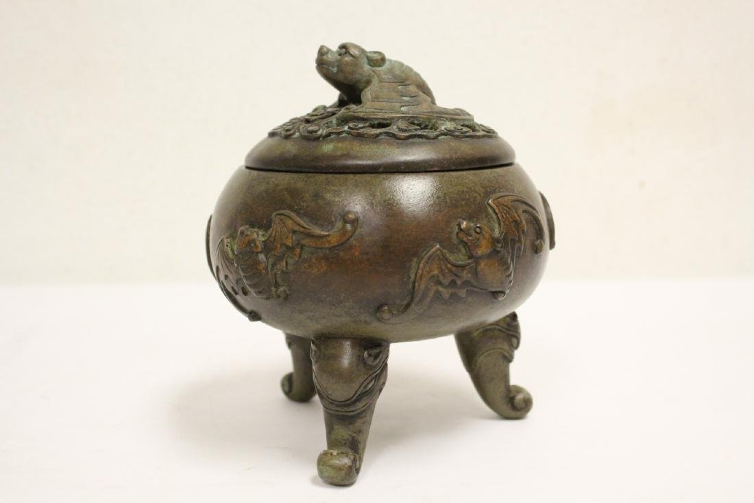 Chinese bronze covered censer - 2