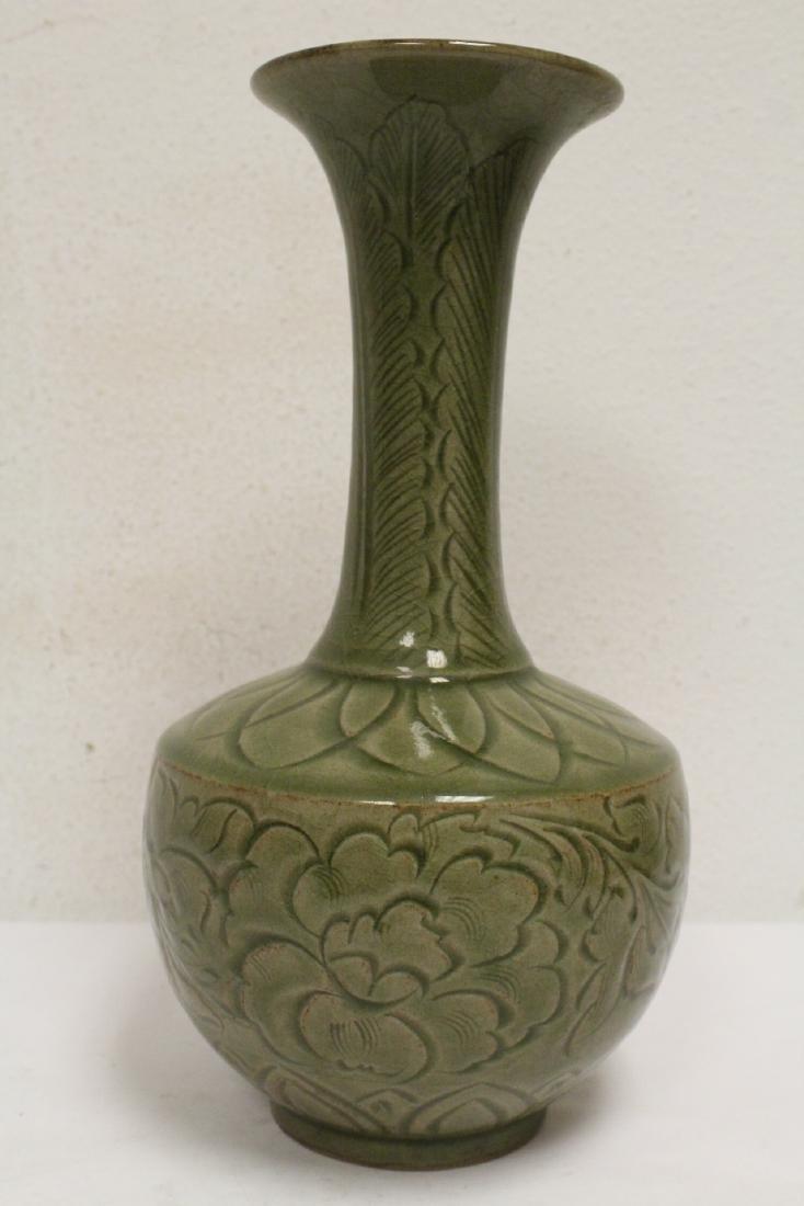 A fine Chinese celadon vase - 4