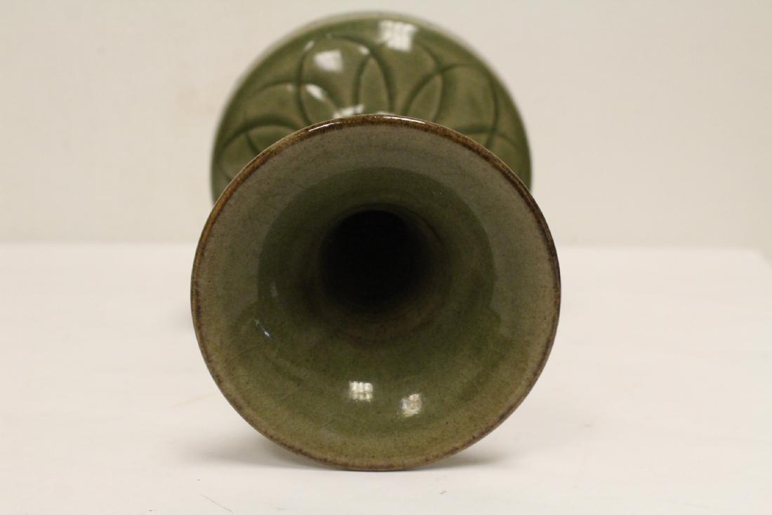 A fine Chinese celadon vase - 6