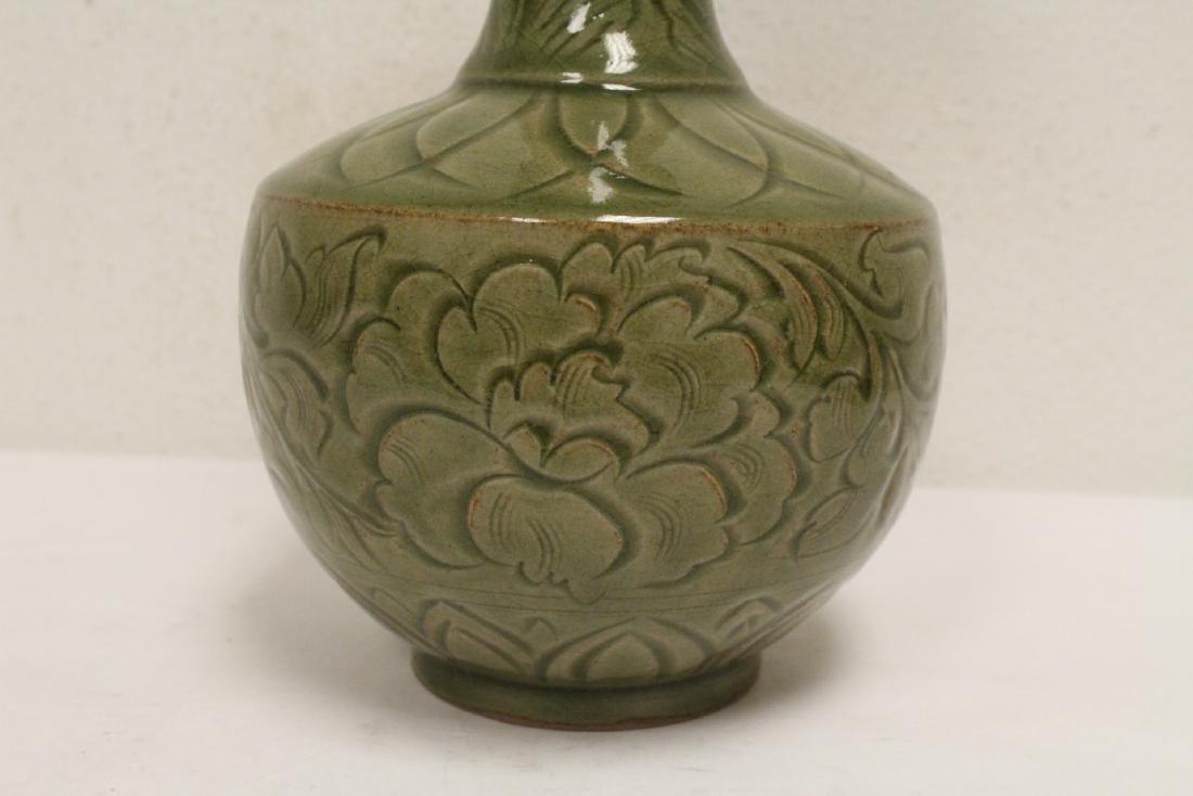 A fine Chinese celadon vase - 8