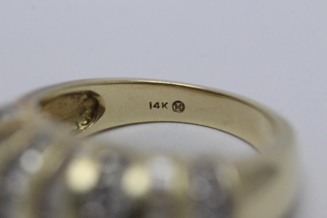 A beautiful 14K Y/G diamond ring - 10