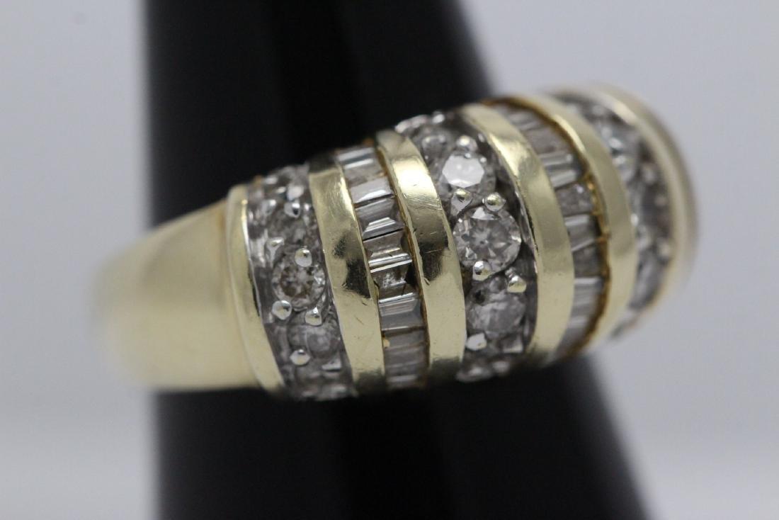 A beautiful 14K Y/G diamond ring - 4
