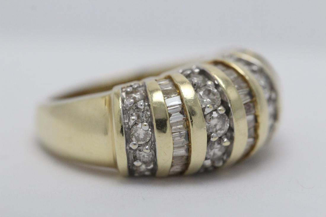 A beautiful 14K Y/G diamond ring - 7