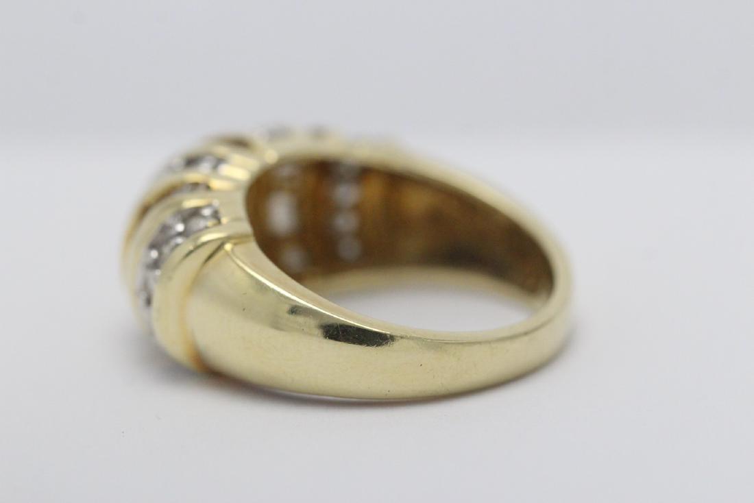 A beautiful 14K Y/G diamond ring - 9