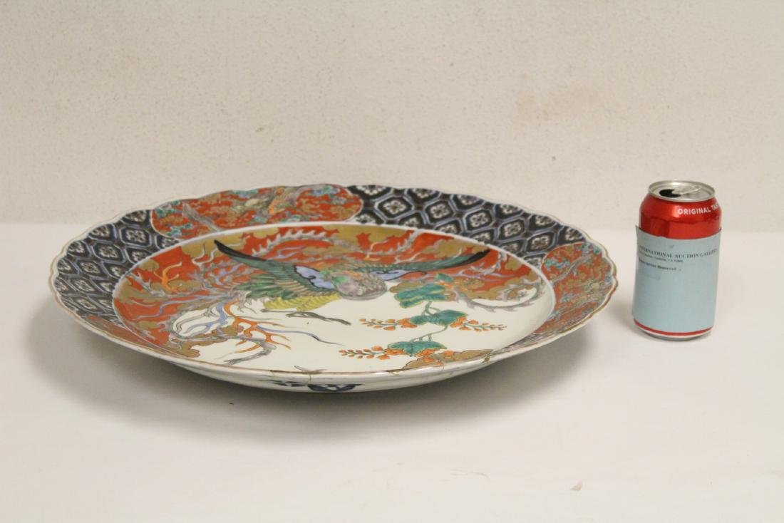 Large antique Japanese imari charger - 2