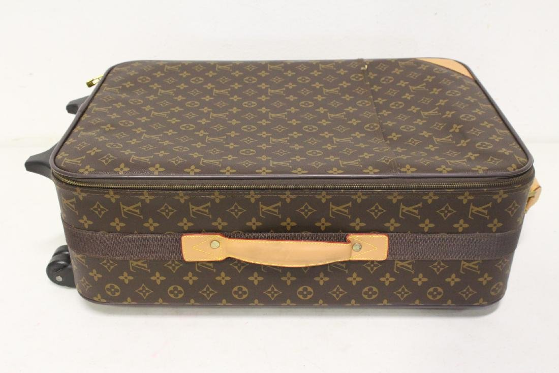 4 Louis Vuitton style leather suitcases - 6