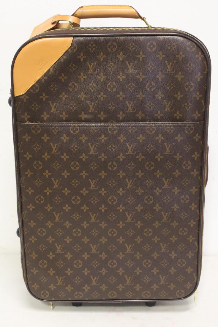 4 Louis Vuitton style leather suitcases - 7