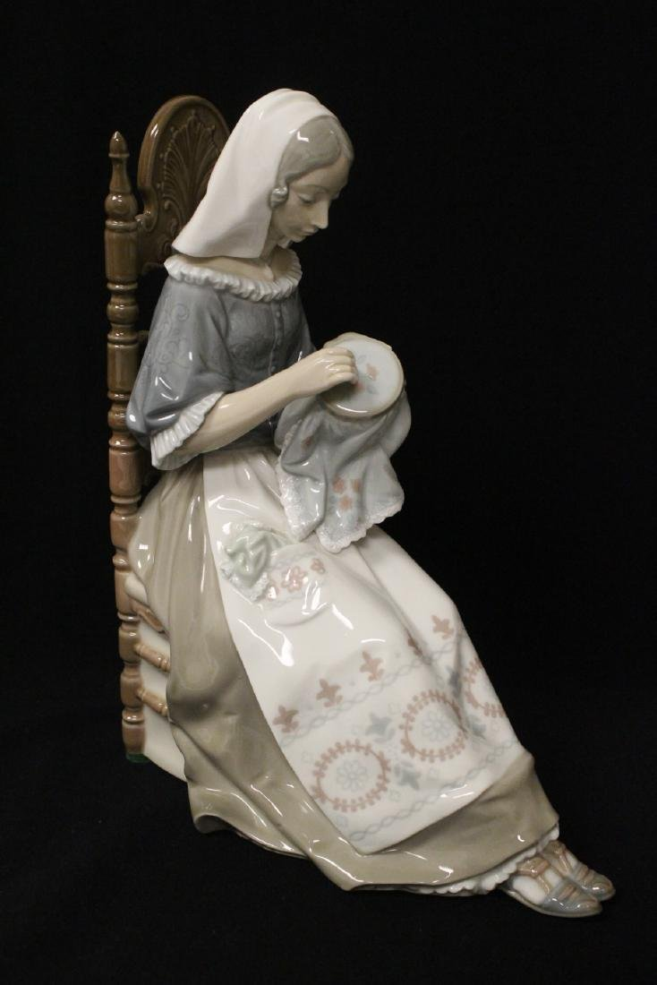 """Lladro figurine """"lady sit on chair sewing"""" - 5"""