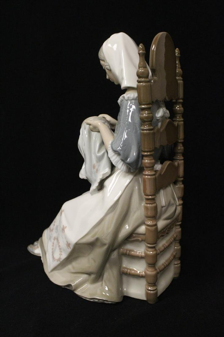 """Lladro figurine """"lady sit on chair sewing"""" - 8"""