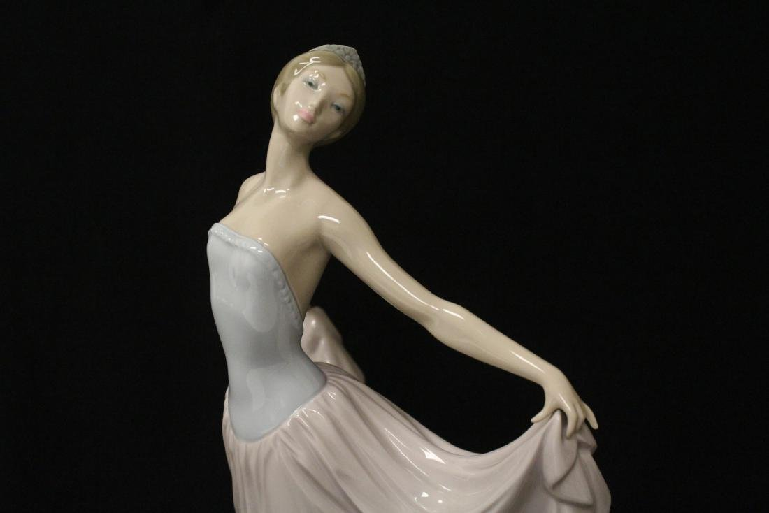 "Lladro figurine ""girl with pink skirt"" - 9"